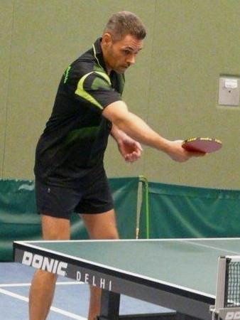 Thomas gewann beide Einzel und auch mit Jörg das Doppel